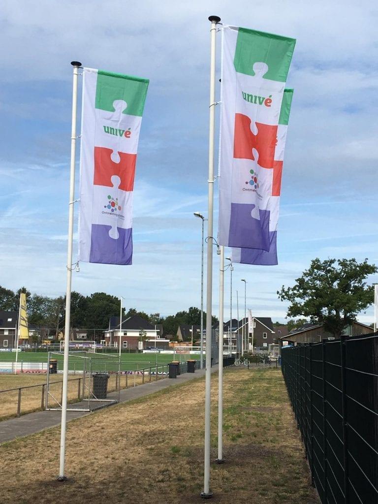 Unive vlaggen Enschede Zuid