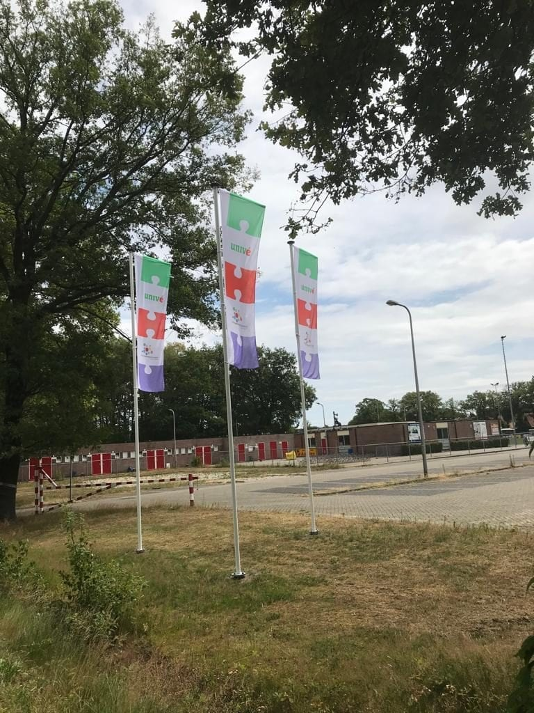 Unive vlaggen - 't Wageler